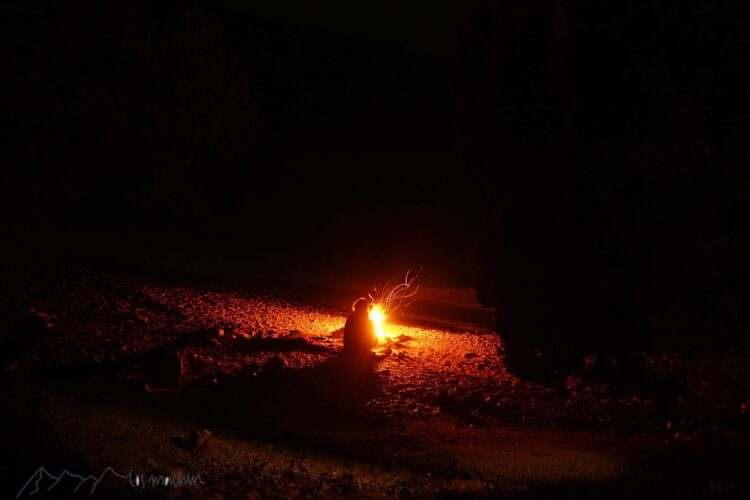 Lagerfeuer am Weihnachtsabend