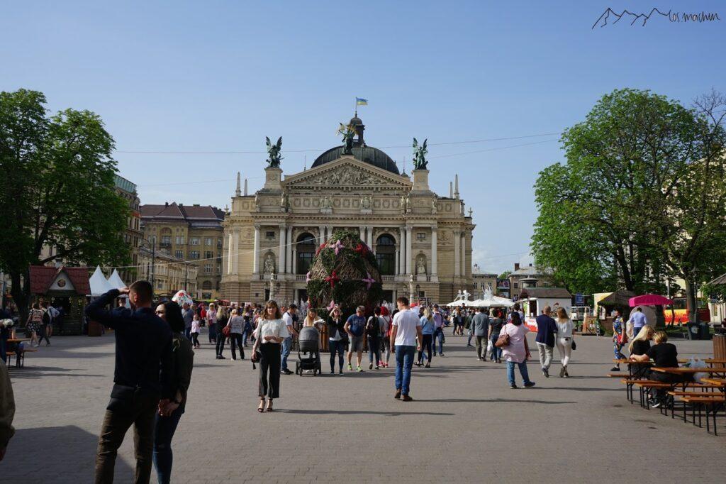 Theater und Oper Lviv
