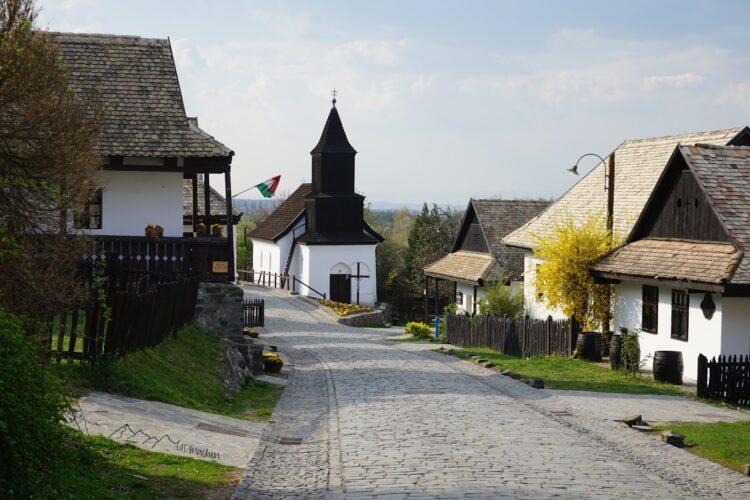 Straße in Holloko