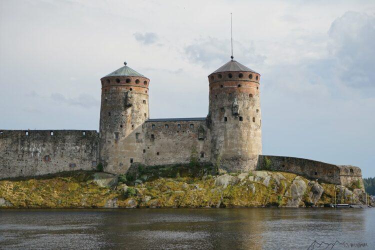 Herrschaftliche und massive Burg Wasserburg in Savonlinna
