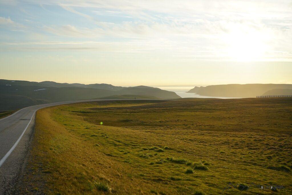 Roadtrip zum Nordkap: Abendstimmung drei Uhr nachts