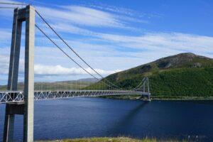 Brücken über den Fjord