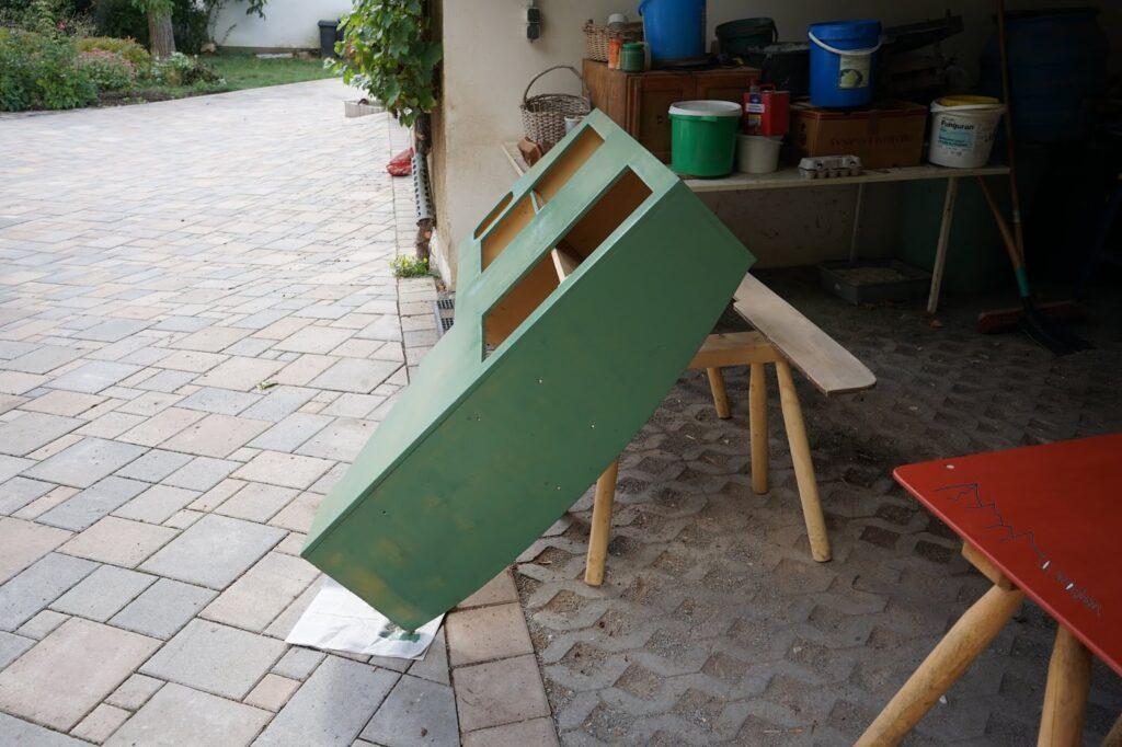 Schränke werden aufgearbeitet für den Innenraum