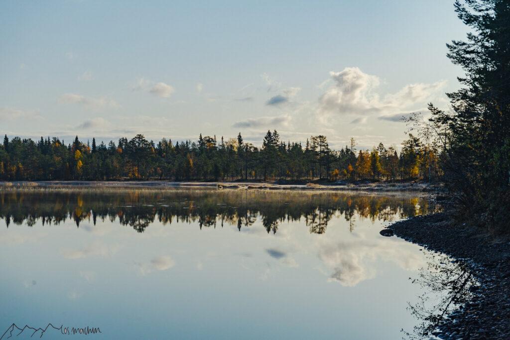 Roadtrip Schweden: Morgenstimmung über dem See